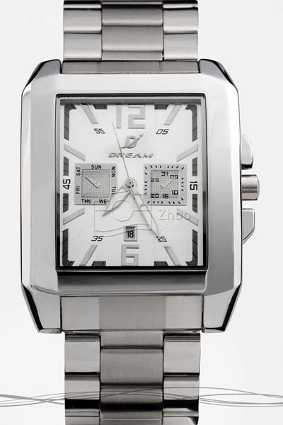 استودیو ژو - ساعت گوچی - عکاسی تبلیغاتی ساعت و جواهرات