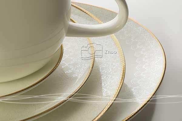 عکاسی صنعتی از جزئیات طرح و نقش ظروف چینی