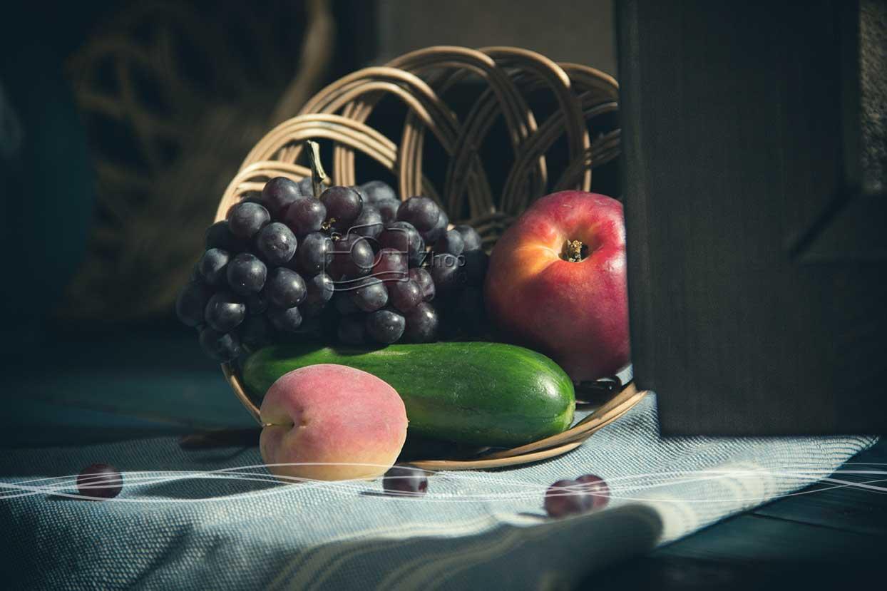 عکاسی استیل لایف (طبیعت بی جان) از میوه با نورپردازی